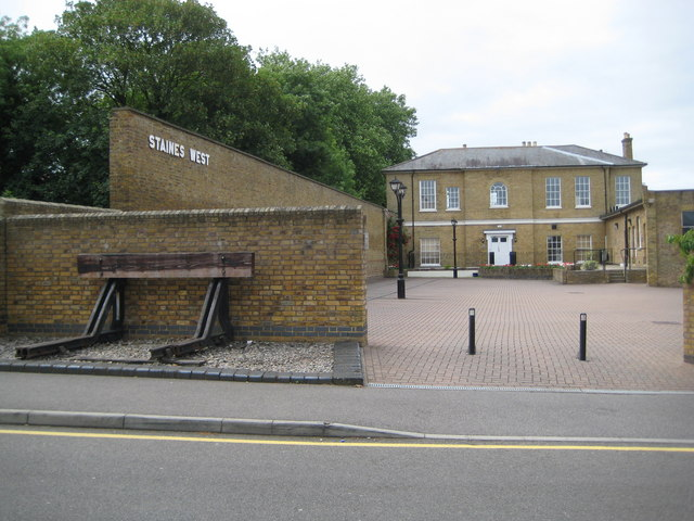 Staines: Former Staines West railway station (2)