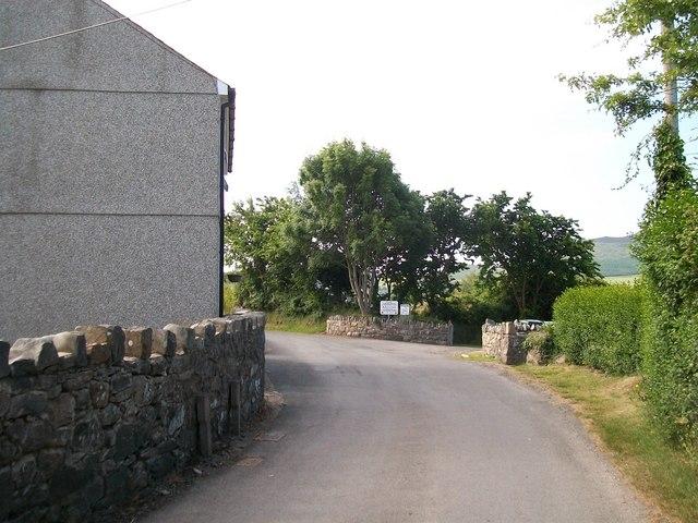Entrance to the Mownt Caravan Park , Ceidio