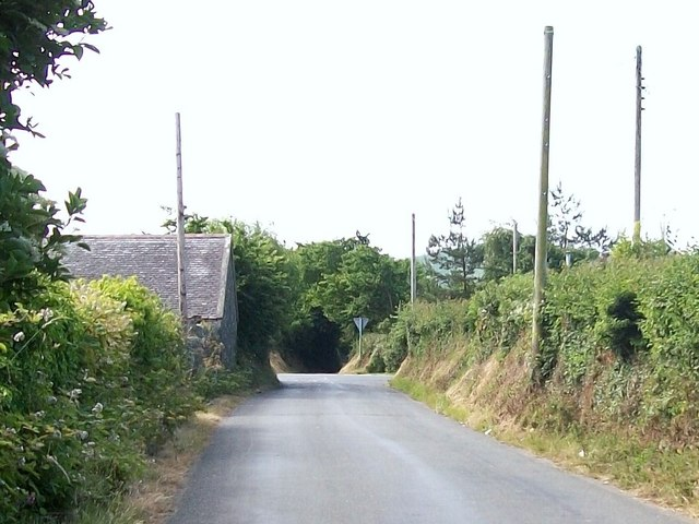 Lon Fawr at the approach to Glanrhyd Crossroads