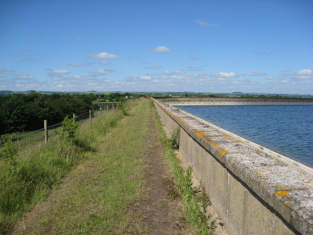 Covenham reservoir and footpath