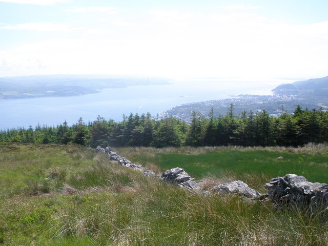 Old boundary wall below Strone Hill