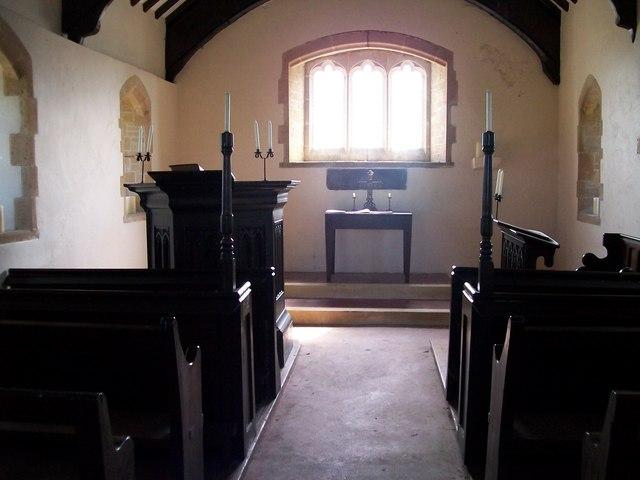 The interior of Eglwys Ceidio Sant church