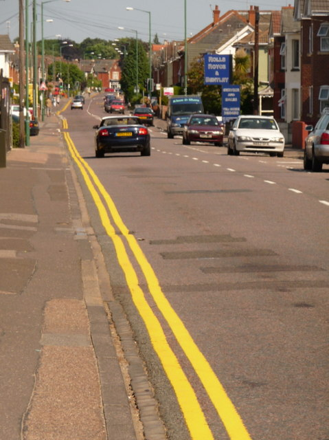 Winton: renewed yellow lines on Alma Road
