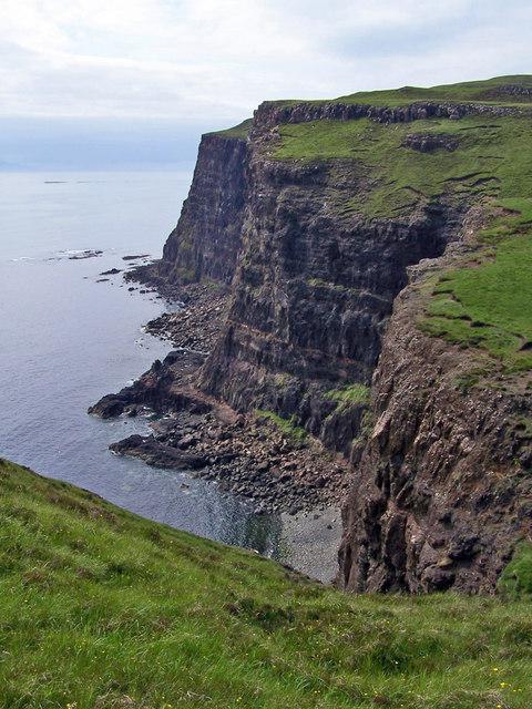 Cliffs at Inbhir a' Ghàrraidh