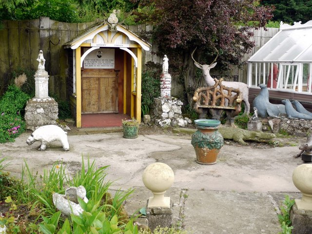 Memory Corner, The Cement Menagerie, Branxton