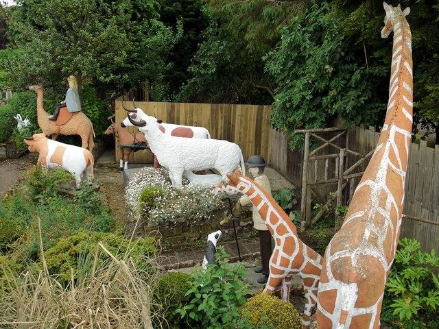 Giraffes, The Cement Menagerie, Branxton
