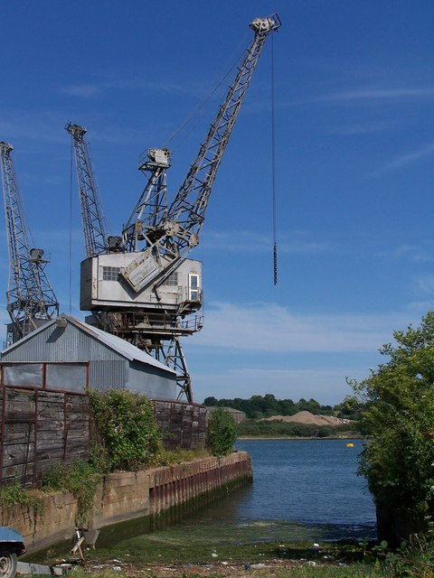 Slipway with crane, River Itchen
