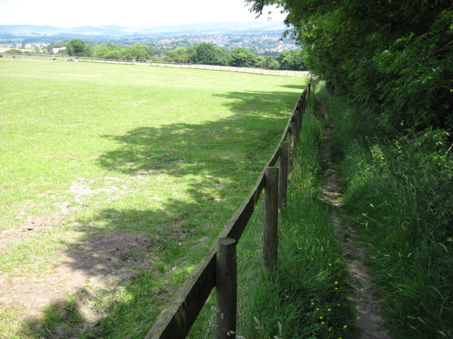 Footpath towards Ladderedge Country Park