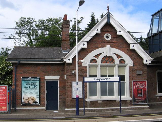 Harpenden - station building