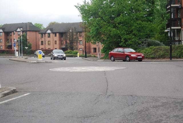 Mini roundabout, Sydenham Hill and Westwood