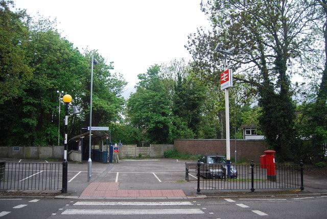 Entrance to Sydenham Hill Station