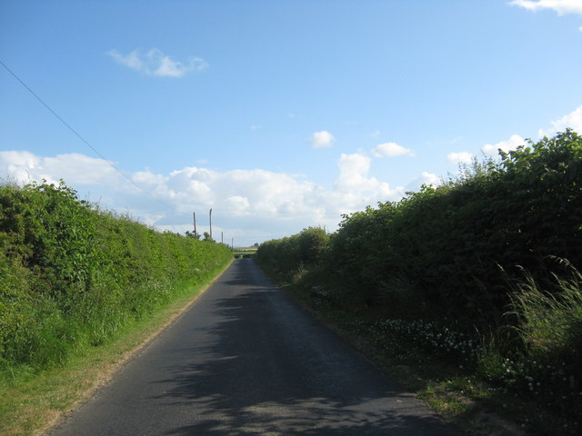 Country road passing Whitelaw Farm