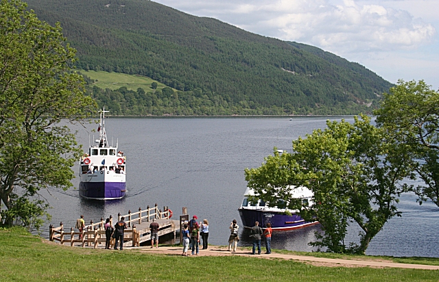 Cruise Boats at Urquhart Castle