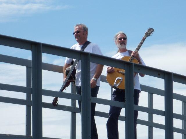 Hello Belhaven : Jack Nicholson and Dennis Hopper play pre-Glastonbury warmup gig