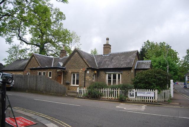 Lodge, Grange Lane
