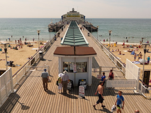 Bournemouth: pier symmetry
