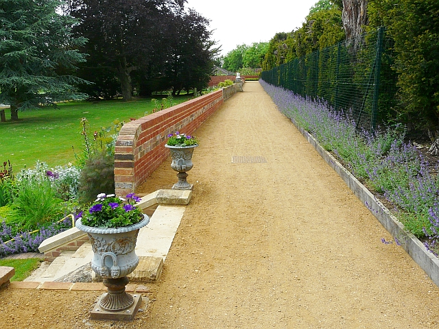 The Long Walk, Caversham Court