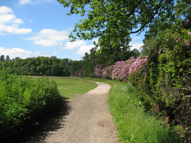 Wodhall Spa - Golf Club footpath