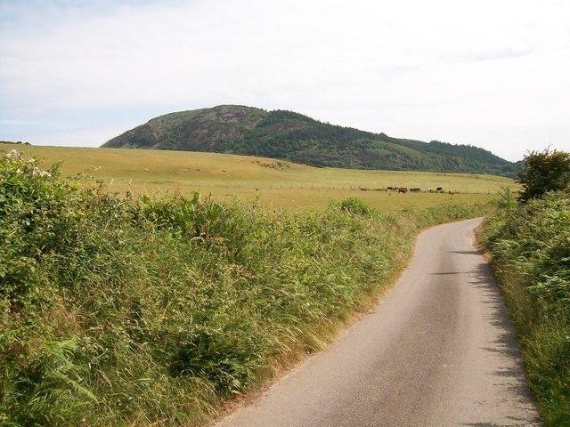 View eastwards across farmland to Carn Boduan