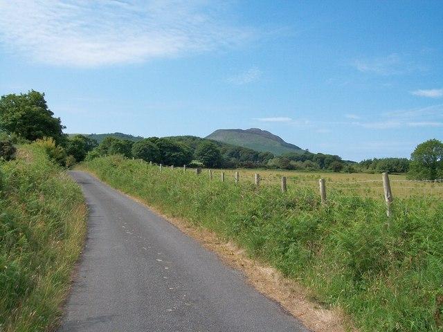 View south along Lon Ffridd