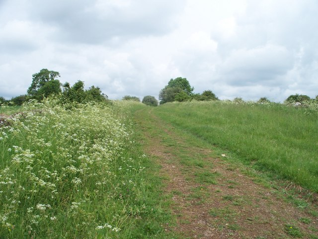 Bridleway to the B4068