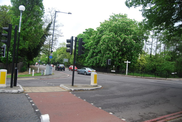 Pedestrian Crossing, Junction of Dulwich Common (A205) and College Rd