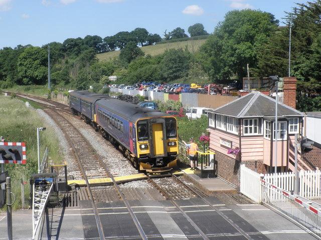 Barnstaple train approaches Crediton