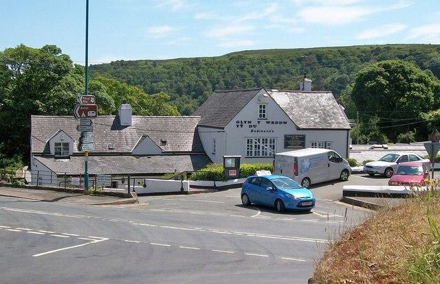 Glyn y Weddw Arms, Llanbedrog