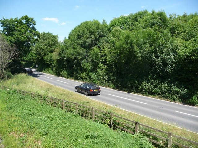 A384 diverging from the railway line