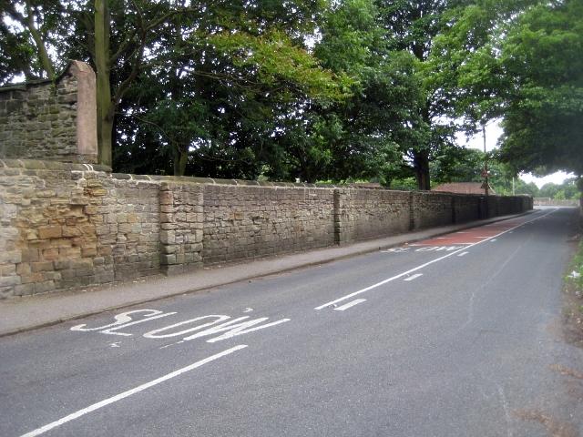 Heath conservation village - walled road (1)