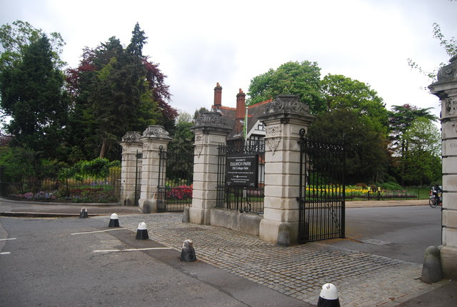 Dulwich Park: Old College Gate, College Rd