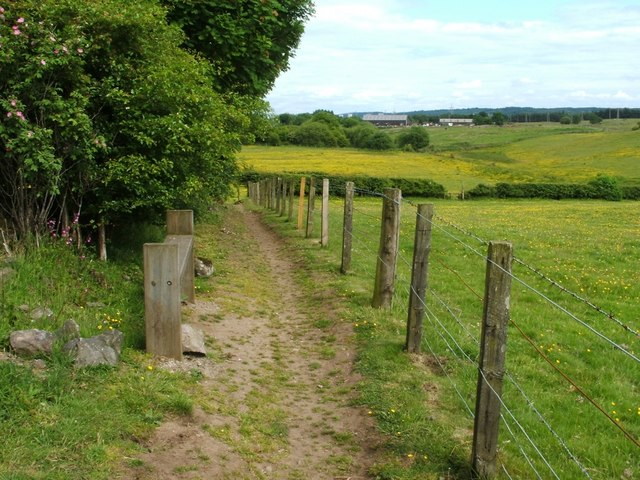 Footpath from Herbertshire Playing Fields