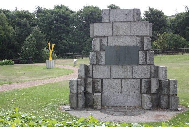 Tay road bridge memorial