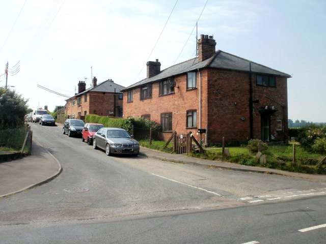 Parkend - contrasting sides of the street(2)