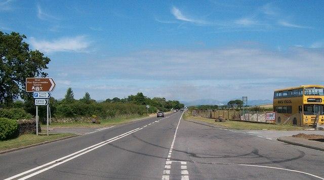 The A499 near the Llanbedrog Service Station