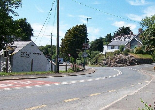 The Glyn y Weddw junction on the A499