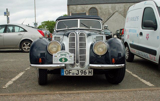 BMW 327 at The Green, Portree