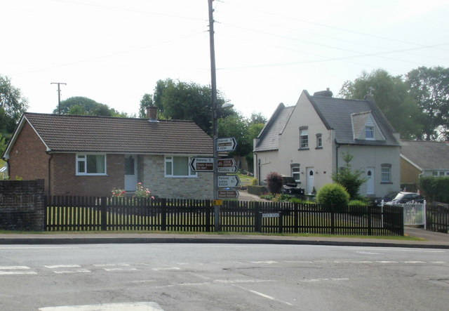 Parkend : Fancy Road houses opposite Cannop Road