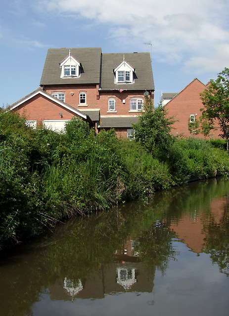 Recent canalside housing at Handsacre, Staffordshire
