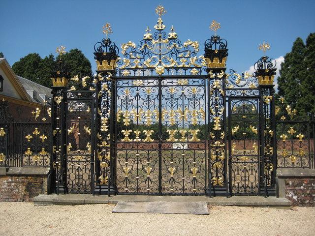 Edney Gates, Tredegar House