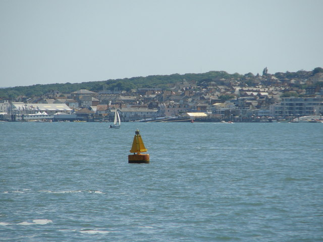 West Knoll buoy and Cowes approach
