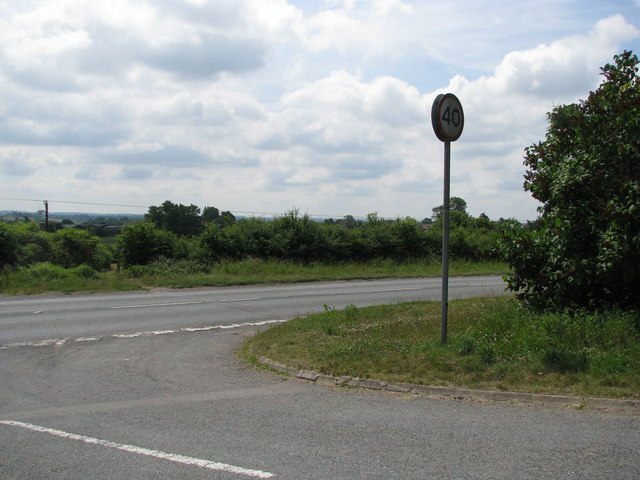 Minor road joins the B4058 on the outskirts of Cromhall