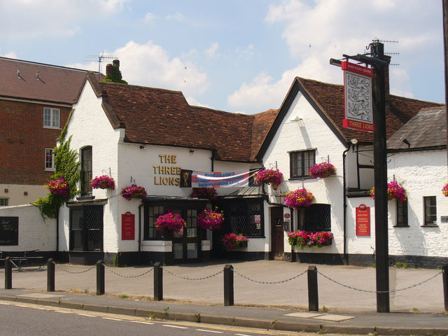 The Three Lions, Farncombe