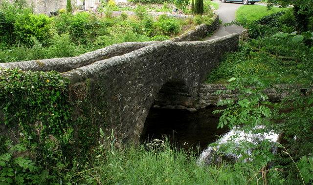 Narrow Footbridge - Clapham