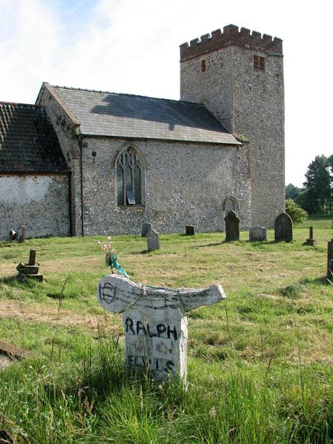 All Saints' church in Tattersett - churchyard