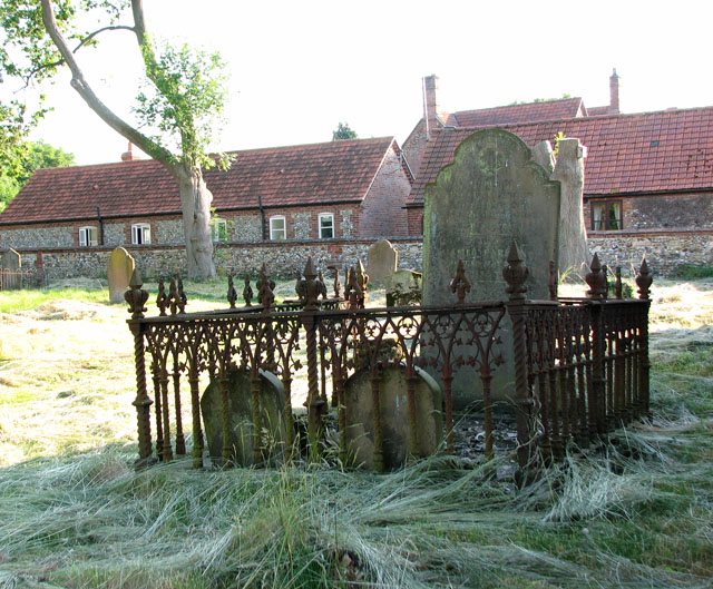 Cottages adjoining the ruined St Margaret's church, West Raynham