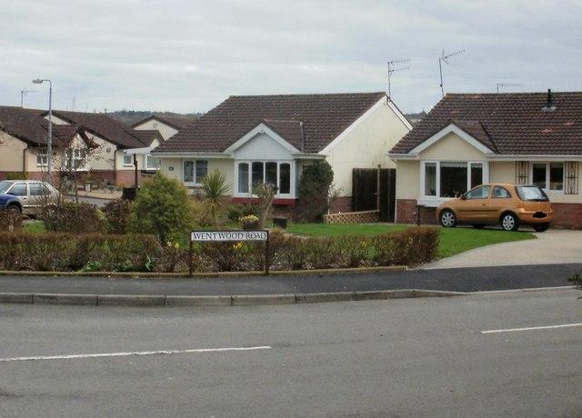 Caerleon : Wentwood Road bungalows