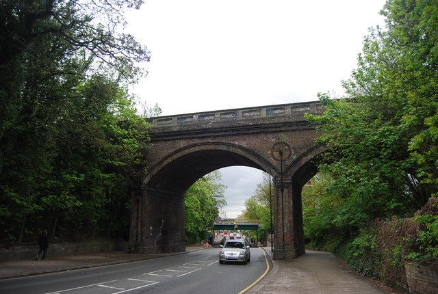 Railway bridge, High St, Penge