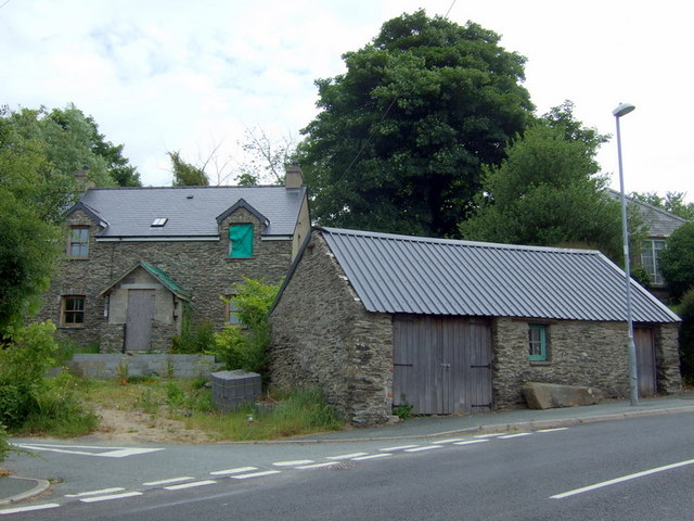 House and cart shed in Eglwyswrw