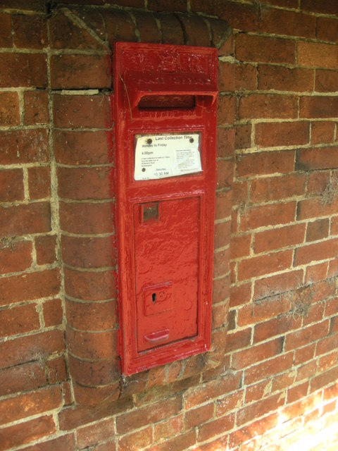 Dodford-Victorian postbox